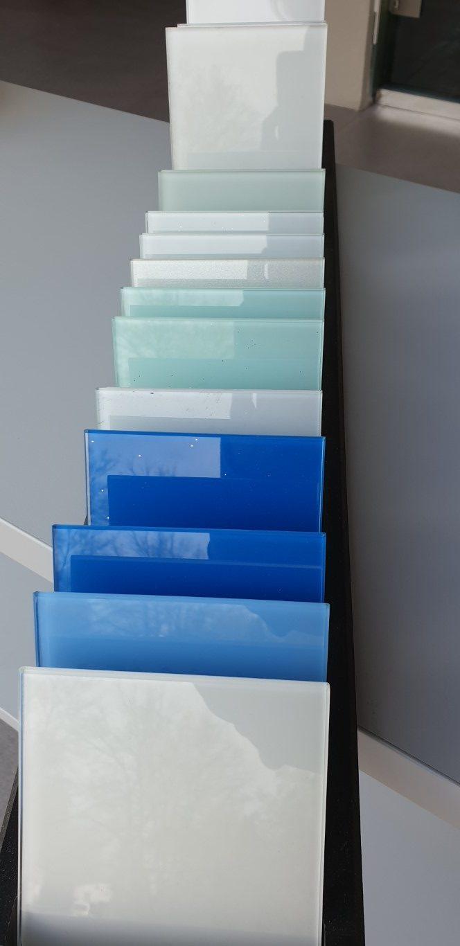Glasrückwand Farben
