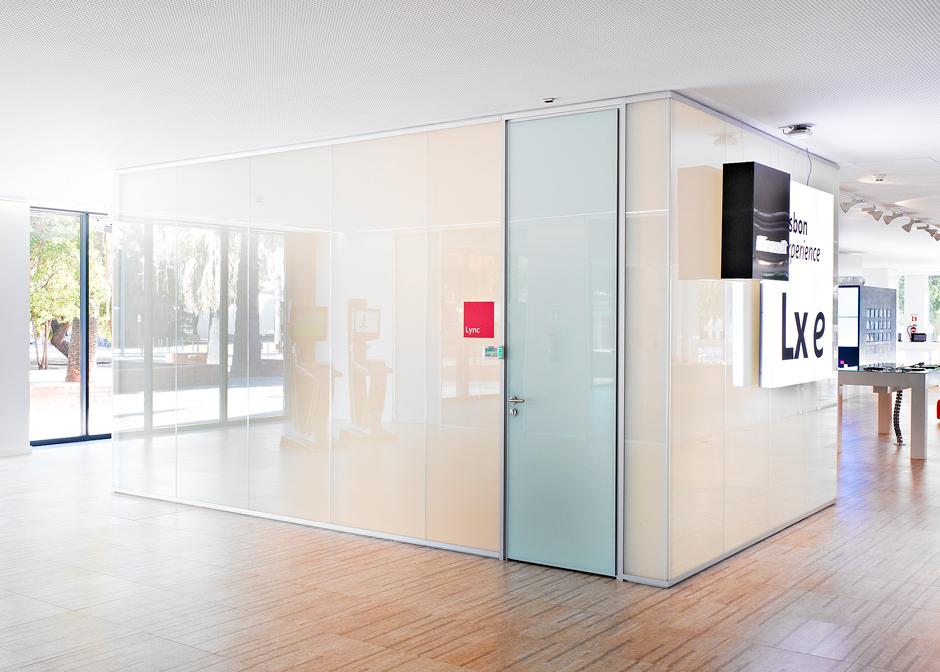 Intelligentes Glas-Büro-an